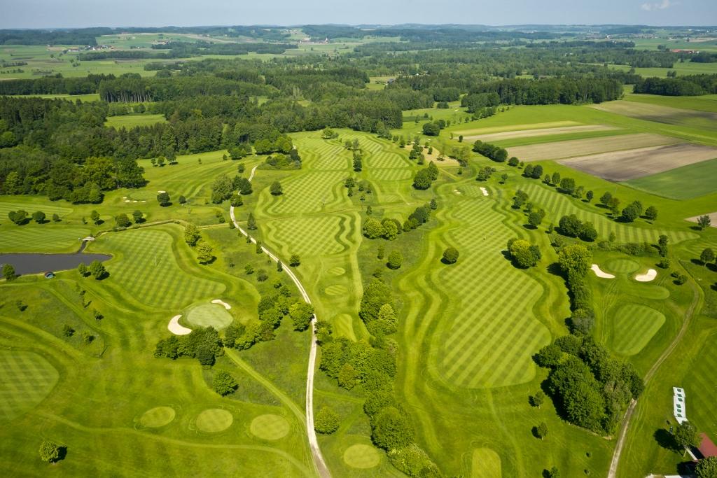 360° Luftpanoramatour Golfplatz Haiming