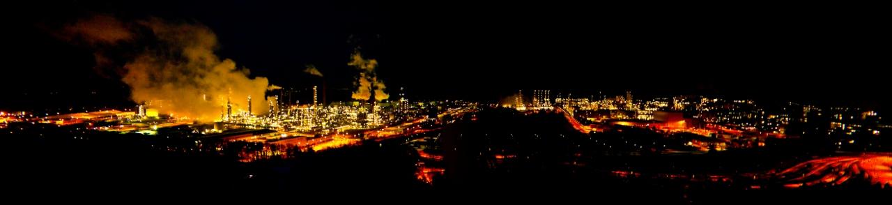 Nacht-Luftpanorama von Burghausen